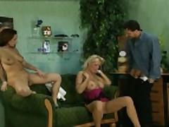 Piss: Pornstar Vivian Schmitt aka Anna B. GER/POL