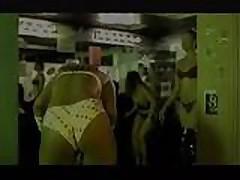 LudaCris - Pussy Popping