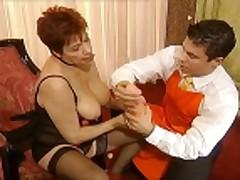 Piss: Femmes Matures - scene 5