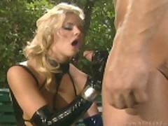 Hannah fucks in the park