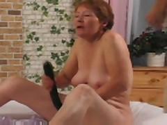 Granny and her Dildo xLx