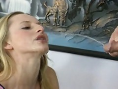 Piss: Slim and Hot German whore piss-mouth