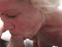 Granny Plays Fingers and Fucks xLx