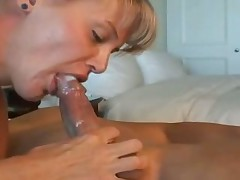 Cumshots land in mouths of hot sluts