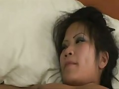 Mature lesbo puts on strapon and fucks pussy
