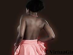 Ebony Felina shows