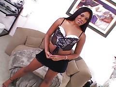Black pornslut doing her job