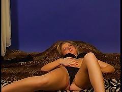 Blond girl shaving her pussy