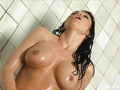 Jessica Difeo under the shower