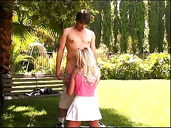 Sexy teen should not fuck in park
