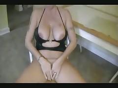 Brunette milf fuck herself