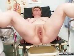 Fat Housewife Gets Her Cunt Wide Opened When Examined By The Pussy Doctor By MaturePussyExams