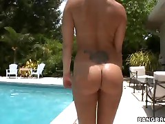 Roxy Love And Torrie - Whole Lot Of Booty!