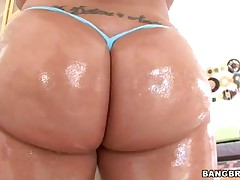 Kelly Divine - Kelly Divines Enormous Ass