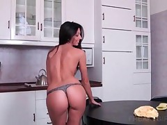 Sexy Brunette Fingering Jucy Twat On The Table