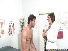 Katie Kox - Doctor Adventures