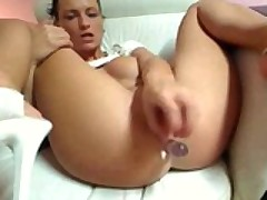 Hot Chick Entertains Me On Webcam