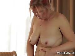 Blonde Busty Mommy Masturbating Blad Quim
