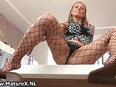 Mature Housewife Takes Her Pantyhose Off And Masturbates Her Pussy By MatureX