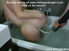 Dirtygardengirl - Donna Drink Milk From Isabella Ass And Lick It