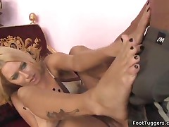 Riley Evans - Hot Blonde Babe Gives Footjob