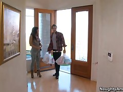 Lisa Ann Vs Xander Corvus - My Friends Hot Mom - He Drops The Groceries And Tries To Resist, But Ric