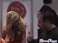 Bree Olson - Bree Olson - Bree Signing At The AVN Expo In VEGAS!
