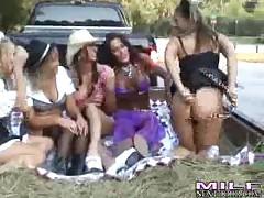 Lexi - Milf Next Door Hayride Hotties