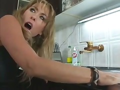 Slutty Mom Gets Boned in the Kitchen