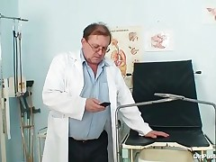 Helena - Mature Helena Gets Gyno Doctor Fingers Into Her Pussy During Dirty Gyno Exam With Speculum