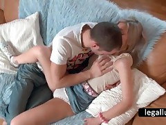Lusty Blonde Hottie Getting Pussy Licked In Bed