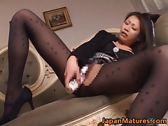 Japanese Mature Babe Has Amazing Sex By JapanMatures