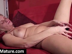 Sexual Blonde Milf Spreads Legs And Toys Muff