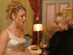 Extravagant blonde afterparty sex