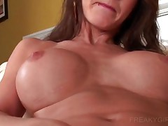 Horny Babe Fucks Her Peachy Pussy With Dildo