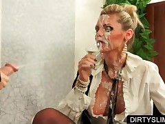 Sexy Lesbo Gets Facial Cummed After Fucking A Strap-on
