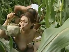 Asian babe has outdoor sex