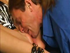 Rebecca Linares facesitting