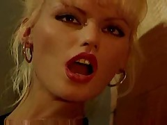 Victoria Queen and Anita Blond Obsession