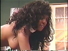 Big-titted Chick Knows How To Handle A Hot Ebony