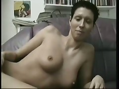 Dark hair German Amateur Masturbates