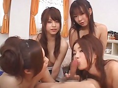 Hot Asians give head