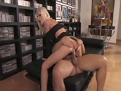 Italian Mom Fucks Her S0NS Friend