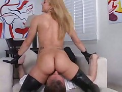 Kira Lynne Brickhouse Butt Face Sitting