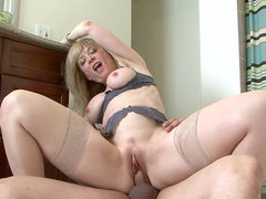 Anthony Rosano fucks with famous Nina Hartley