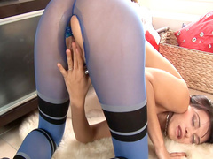 Ripped pantyhose give access to her pussy