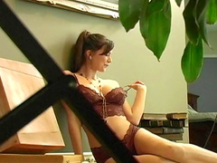 Natural-tit brunette Leeann is showing off her tits