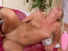 Blonde Keithy is poking that tasty shaved snatch