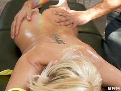 Keiran Lee fucks Tia Mckenzie after massage