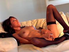 Ebony Zeina Heart shows off her booty